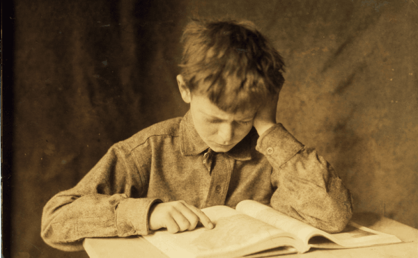 Boy studying, ca. 1924. Фото: Lewis Hine