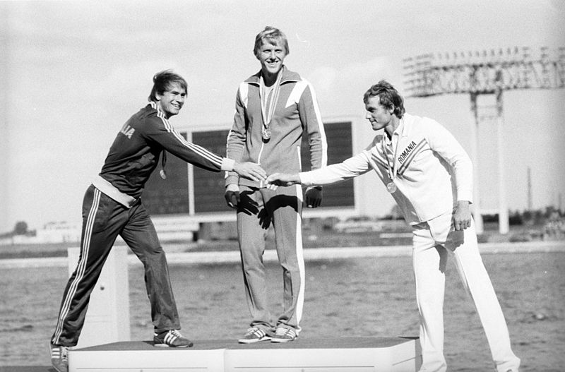 800px-RIAN_archive_578007_Winners_of_1980_Olympiad_in_rowing_and_canoeing_(single_sculls)