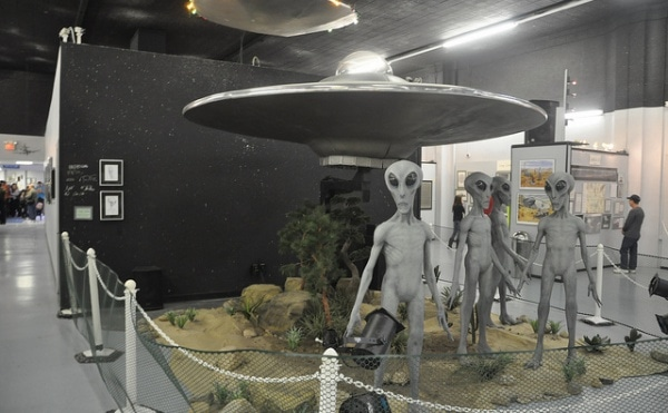 Roswell UFO museum. Photo: Flickr by Tiffany LeMaistre, CC BY 2.0.